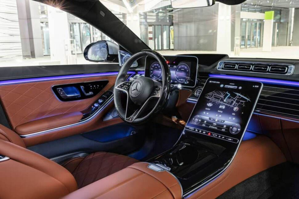 New-Mercedes-Benz-S-Class-2021-saloon-mercedes-hire-foto